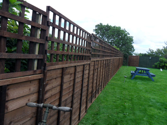 Timber Fencing Gumdale
